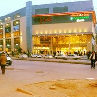 รูปภาพถ่ายที่ Espark โดย Fatih B. เมื่อ 2/19/2013