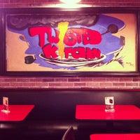 4/29/2013 tarihinde Miaziyaretçi tarafından Twisted Kitchen'de çekilen fotoğraf
