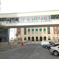 Снимок сделан в The Mob Museum пользователем Jihoon R. 2/19/2013