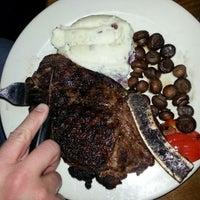 Foto scattata a The Keg Steakhouse + Bar da CHERI K. il 12/31/2012