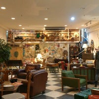 10/8/2012에 Grace A.님이 Cure Thrift Shop에서 찍은 사진