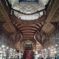Foto scattata a Livraria Lello da Hélder Osvaldo™ il 12/11/2012