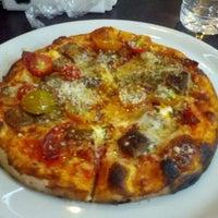 Foto tomada en Ciao Bella Pizza por Joany B. el 2/3/2013
