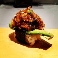 Photo prise au Sushi of Gari 46 par Gothamista le3/5/2013