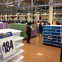 Foto tomada en Walmart por Paulina el 1/27/2013