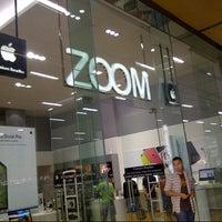 Снимок сделан в ZOOM Apple Premium Reseller пользователем Agung N. 8/3/2013