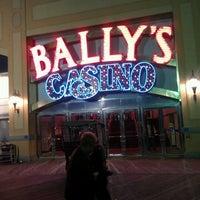 Das Foto wurde bei Bally's Casino & Hotel von Nilda M. am 10/20/2012 aufgenommen