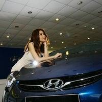 6/2/2013 tarihinde Ergünziyaretçi tarafından Hyundai Cakirlar'de çekilen fotoğraf
