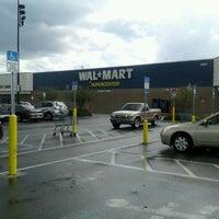 Photo prise au Walmart Supercenter par Carol M. le9/17/2012