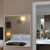Foto scattata a Metropolitan Hotel da Metropolitan Hotel il 9/30/2013