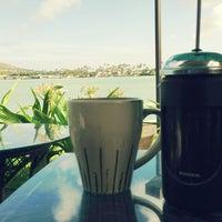 Foto tirada no(a) Island Brew Coffeehouse por Allen C. em 6/3/2013