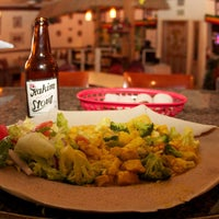 Foto scattata a Queen Sheba Ethopian Restaurant da Queen Sheba Ethopian Restaurant il 10/28/2014