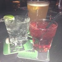 Foto scattata a Jordan's Bistro & Pub da Robert Q. il 3/30/2013