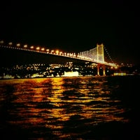 Das Foto wurde bei The House Café von Erhan ÇELİK am 3/6/2013 aufgenommen