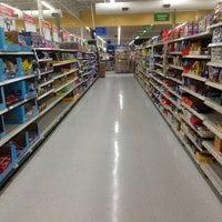 Photo prise au Walmart Supercenter par J J. le2/23/2013