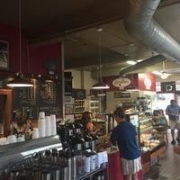 Foto diambil di Caroline's Coffee Roasters oleh Joe S. pada 9/11/2015