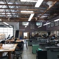 Foto diambil di SF Center for the Book oleh Chongho L. pada 4/11/2019