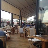 Foto tirada no(a) Ресторан & Lounge «Река» por Валерий em 6/10/2013