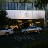 10/22/2012 tarihinde Charmaineziyaretçi tarafından Apple Town Square'de çekilen fotoğraf