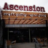 Foto scattata a Ascension da John S. il 2/9/2013