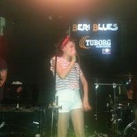 5/8/2013 tarihinde Cem K.ziyaretçi tarafından Beri Blues'de çekilen fotoğraf