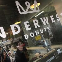 Снимок сделан в Underwest Donuts пользователем joe b. 3/8/2015