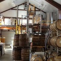 รูปภาพถ่ายที่ Vermont Spirits Distillery โดย Matt B. เมื่อ 2/9/2013