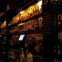 Photo prise au Caledonia Bar par Andrea T. le4/23/2013