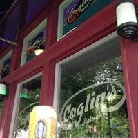 รูปภาพถ่ายที่ Coglin's โดย Mark H. เมื่อ 6/19/2013