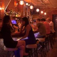 Das Foto wurde bei Barramundi Bar von Barramundi Bar am 6/13/2014 aufgenommen