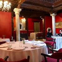 Foto diambil di Adolfo Restaurante   Casa Urbana oleh Alvaro L. pada 11/20/2016