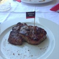 Снимок сделан в AMbar Steak House пользователем Sergi 5/9/2013