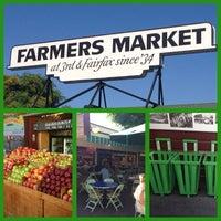 6/27/2013 tarihinde Craigziyaretçi tarafından The Original Farmers Market'de çekilen fotoğraf
