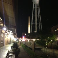 Снимок сделан в Tyler's Restaurant & Taproom пользователем William S. 4/17/2013
