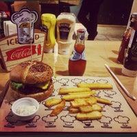 11/14/2015에 Esin D.님이 Şef's Burger에서 찍은 사진