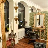 Das Foto wurde bei Muscat HairArtist - Ihr Friseur in Frankfurt von Muscat HairArtist - Ihr Friseur in Frankfurt am 9/13/2014 aufgenommen