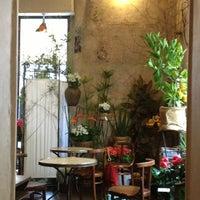 Fiori Bianchi Brera.Fioraio Bianchi Caffe French Restaurant In Milano