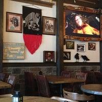 3/16/2013 tarihinde Lori C.ziyaretçi tarafından Storm Crow Tavern'de çekilen fotoğraf