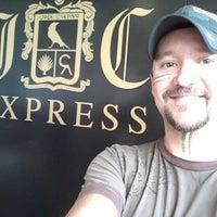 Das Foto wurde bei Jose Cuervo Express von Flipper M. am 9/15/2012 aufgenommen