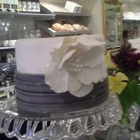 Снимок сделан в Toni Patisserie & Café пользователем John P. 9/28/2012