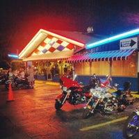 Das Foto wurde bei Biff Burger von Brendan N. am 10/6/2012 aufgenommen