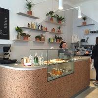 Das Foto wurde bei Okay Café von Oliver am 4/19/2016 aufgenommen