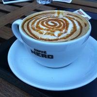 12/3/2012 tarihinde Damlaziyaretçi tarafından Caffè Nero'de çekilen fotoğraf