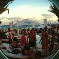Foto tomada en Kool Beach Club por Claps n' Claps (Daz) el 12/25/2012