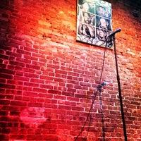 Foto scattata a Nuyorican Poets Cafe da Taylor il 2/4/2015