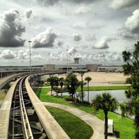 Foto scattata a Orlando International Airport (MCO) da LiveSpaceAVL il 6/11/2013