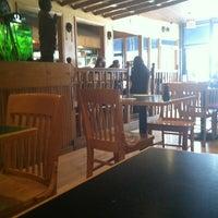 Foto scattata a JP Seafood Cafe da Taylor P. il 12/26/2012