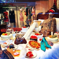 Das Foto wurde bei Dolce&Gabbana von Niena am 12/15/2014 aufgenommen