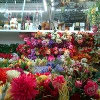 6/29/2013 tarihinde Feriani T.ziyaretçi tarafından Graffiti Flowers'de çekilen fotoğraf