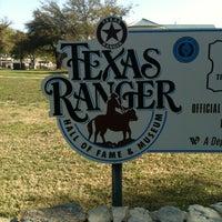 Foto tirada no(a) Texas Ranger Hall of Fame and Museum por Ashley em 3/25/2013